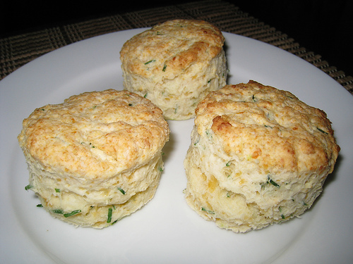 Sour Cream and Chive Biscuits | Free Recipe Network