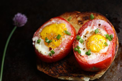 Baked Tomato and Egg Cups | Free Recipe Network