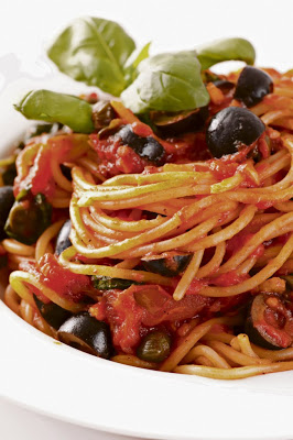 Spaghetti with black olives