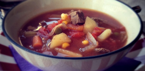 Crockpot Beef and Tomato Vegetable Soup