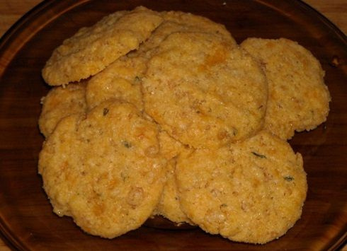 Spicy Cheddar Cookies