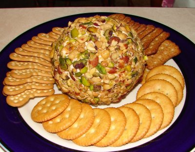 Pistachio Cheeseball