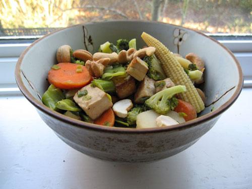 Tofu, Broccoli, and Water Chestnuts