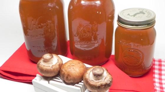 Instant Pot Mushroom Broth