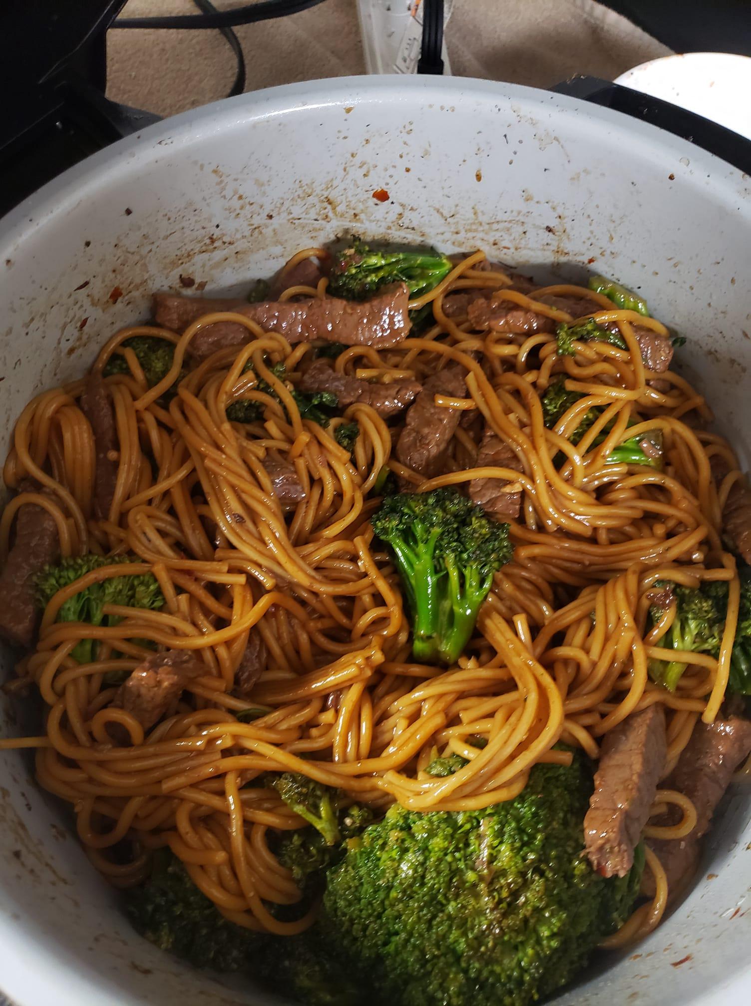 Ninja Foodi Beef & Broccoli Lo Mein