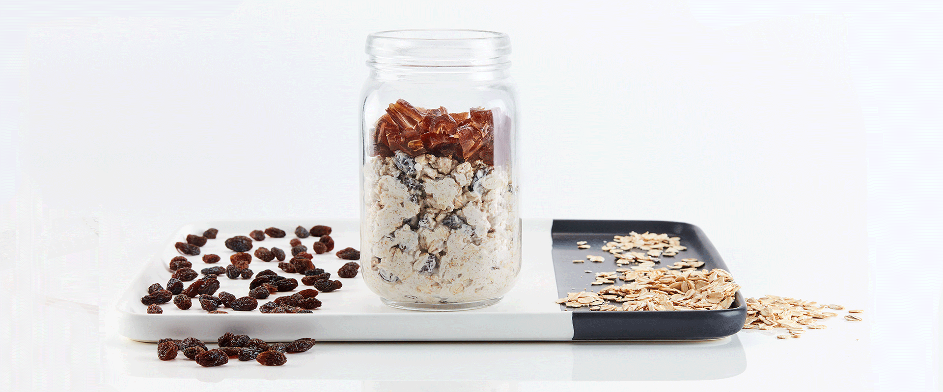 Oatmeal, Raisin & Date Overnight Oats