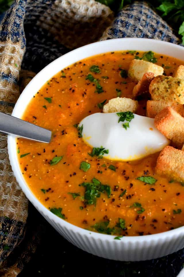 Roasted Carrot and Cauliflower Curry Ginger Soup